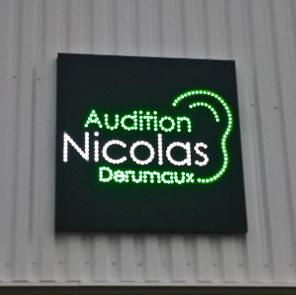 NICOLAS DERUMAUX Enseignes lumineuse lettre relief éclairage direct Audition