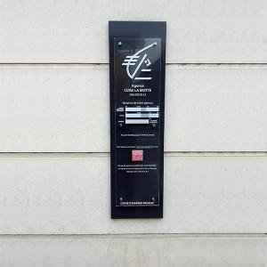 Signalétique PLV Amiens bureau banque panneau plexiglas