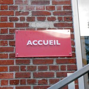 Signalétique PLV Amiens panneau directionnel accueil